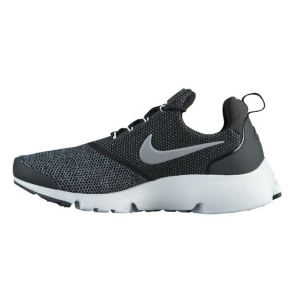 99c0a46e09432 Nike Womens Presto Fly SE